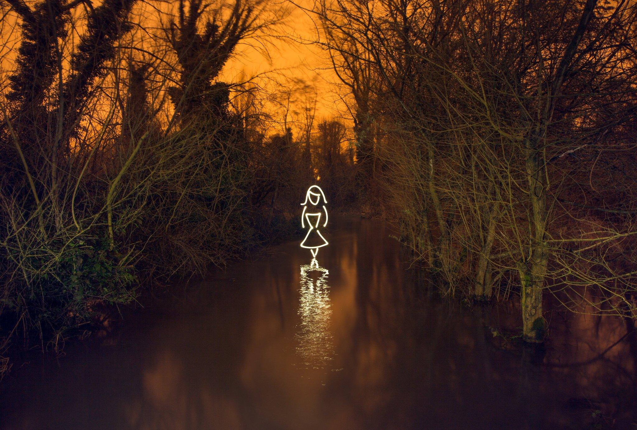 light-painting-flatworldsedge-girl-flooded-forest